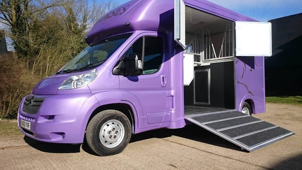 3.5 Tonne - Superior Horsebox